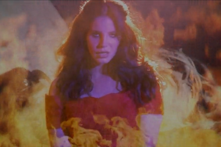 Lana Del Rey Sets Two Love Affairs Ablaze In West Coast