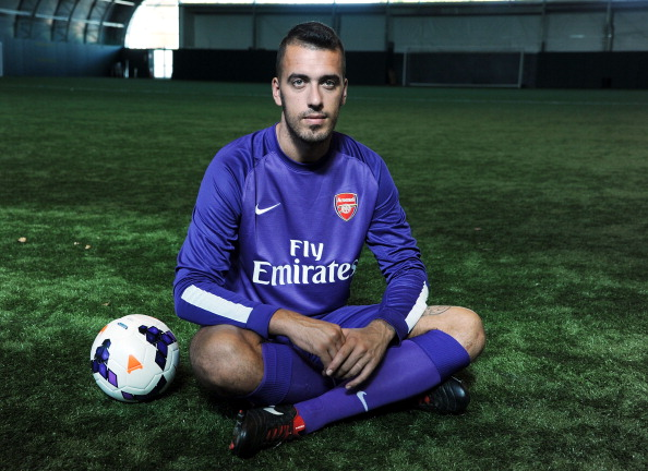 Arsenal FC Unveil New Signing Emiliano Viviano
