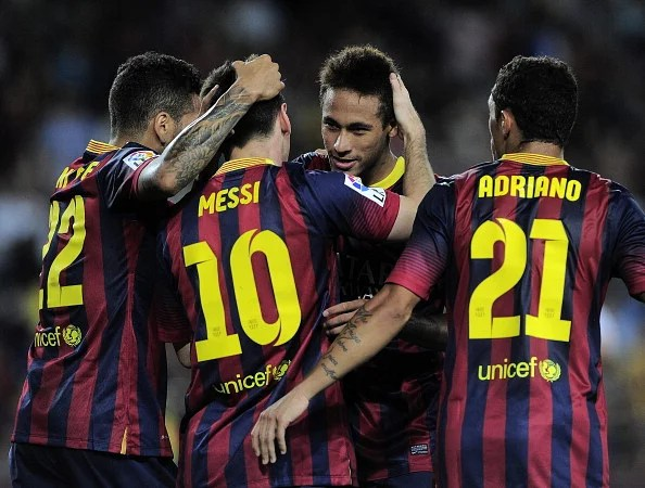 Neymar celebrates his goal with his teammates