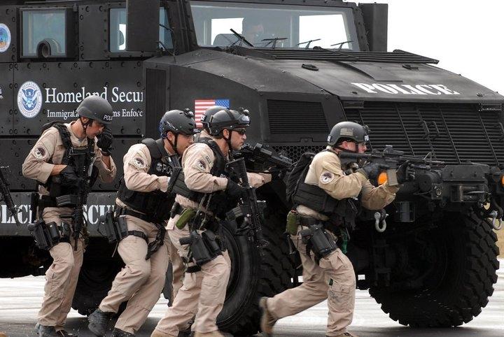 2011-04-05-ice-training-using-armored-vehicles.jpg