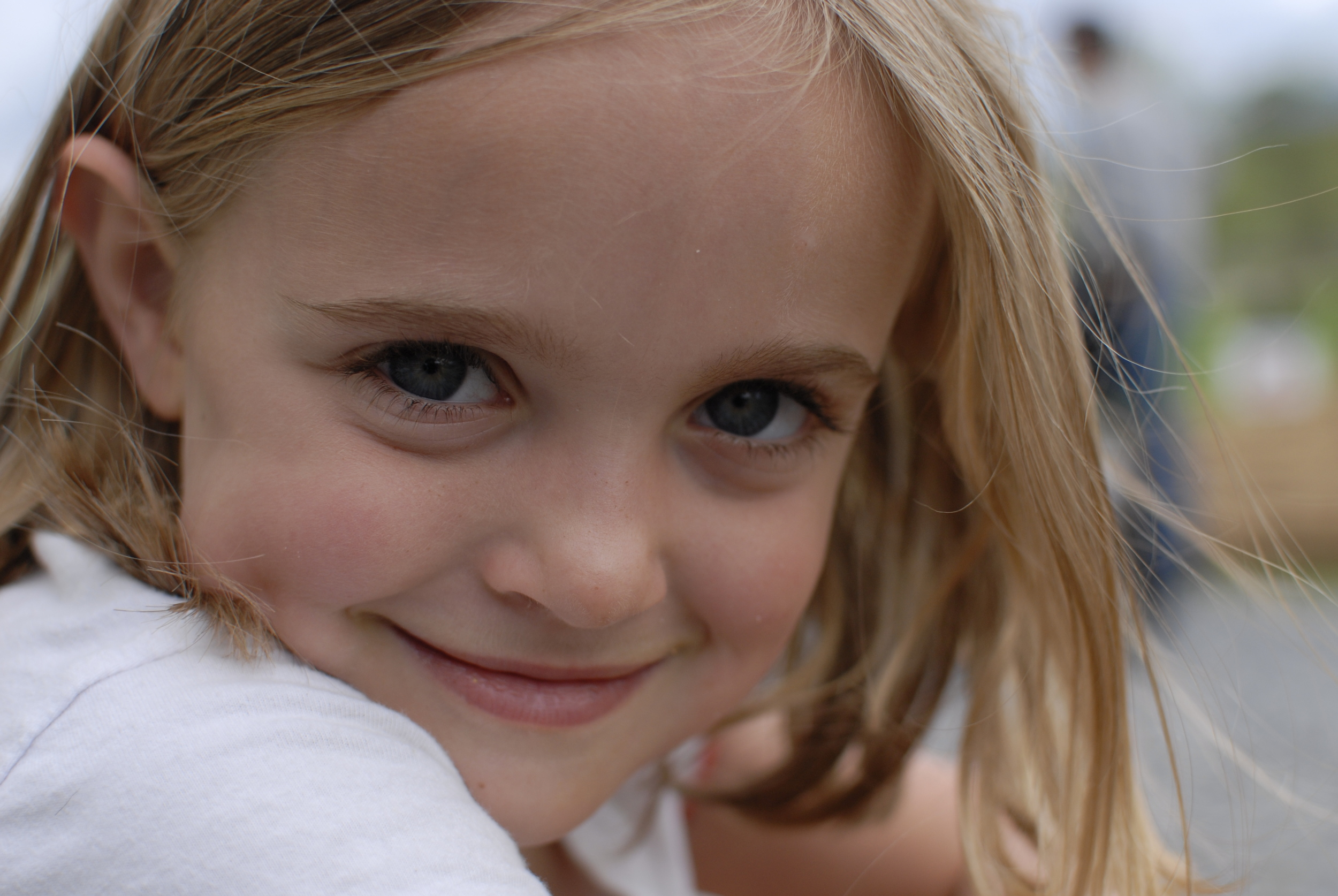 Eleanor_smiles