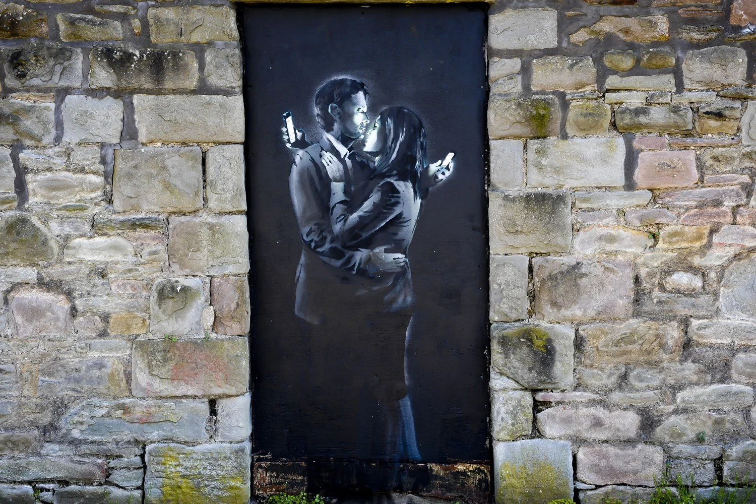 Struggling youth club removes latest Banksy from wall in Bristol  London Evening Standard