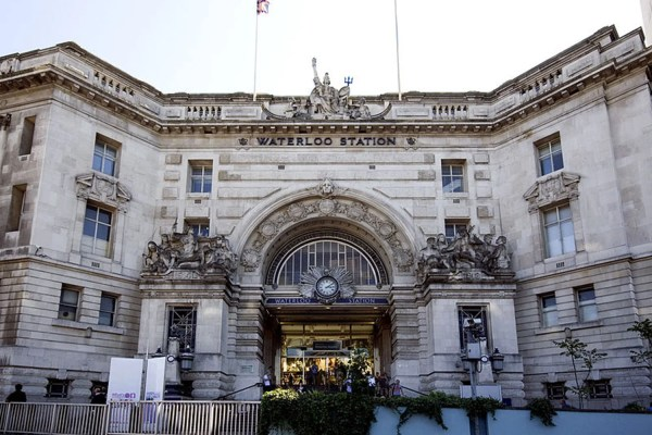 Murder Investigation Launched Man Killed Waterloo Station London Evening Standard