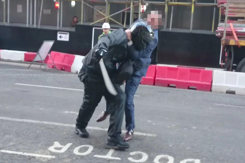 Amazing video of moment man tackles machetewielding robber after City gem raid  Crime  News