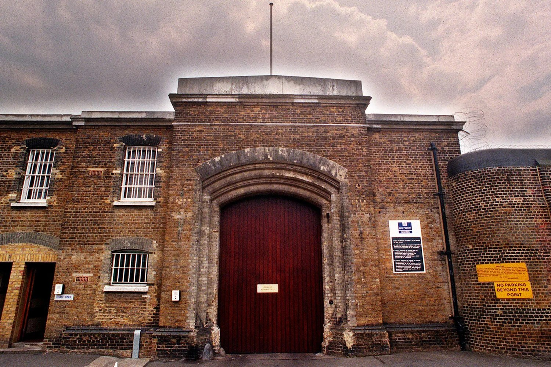 Brixton prison librarian tried to buy gun on Dark Web  London Evening Standard