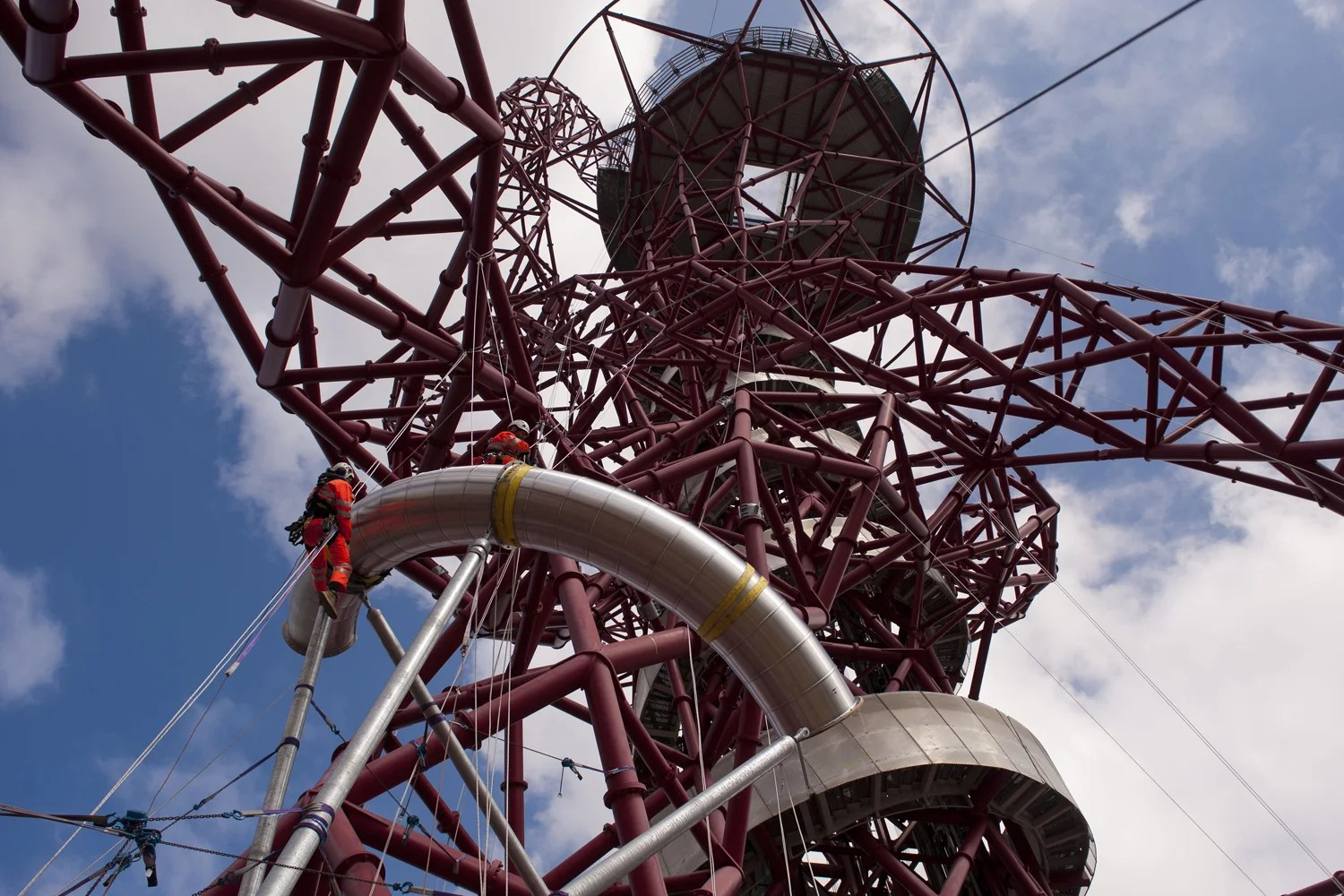 Giant pieces of Orbit tower slide are hauled into place  London Evening Standard