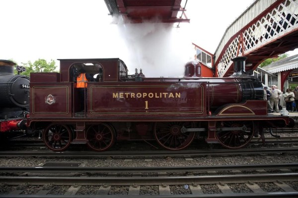 Vintage Steam Trains Make Grand Return Metropolitan