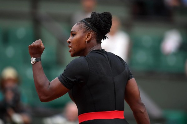 Serena Williams Battles Set Roar