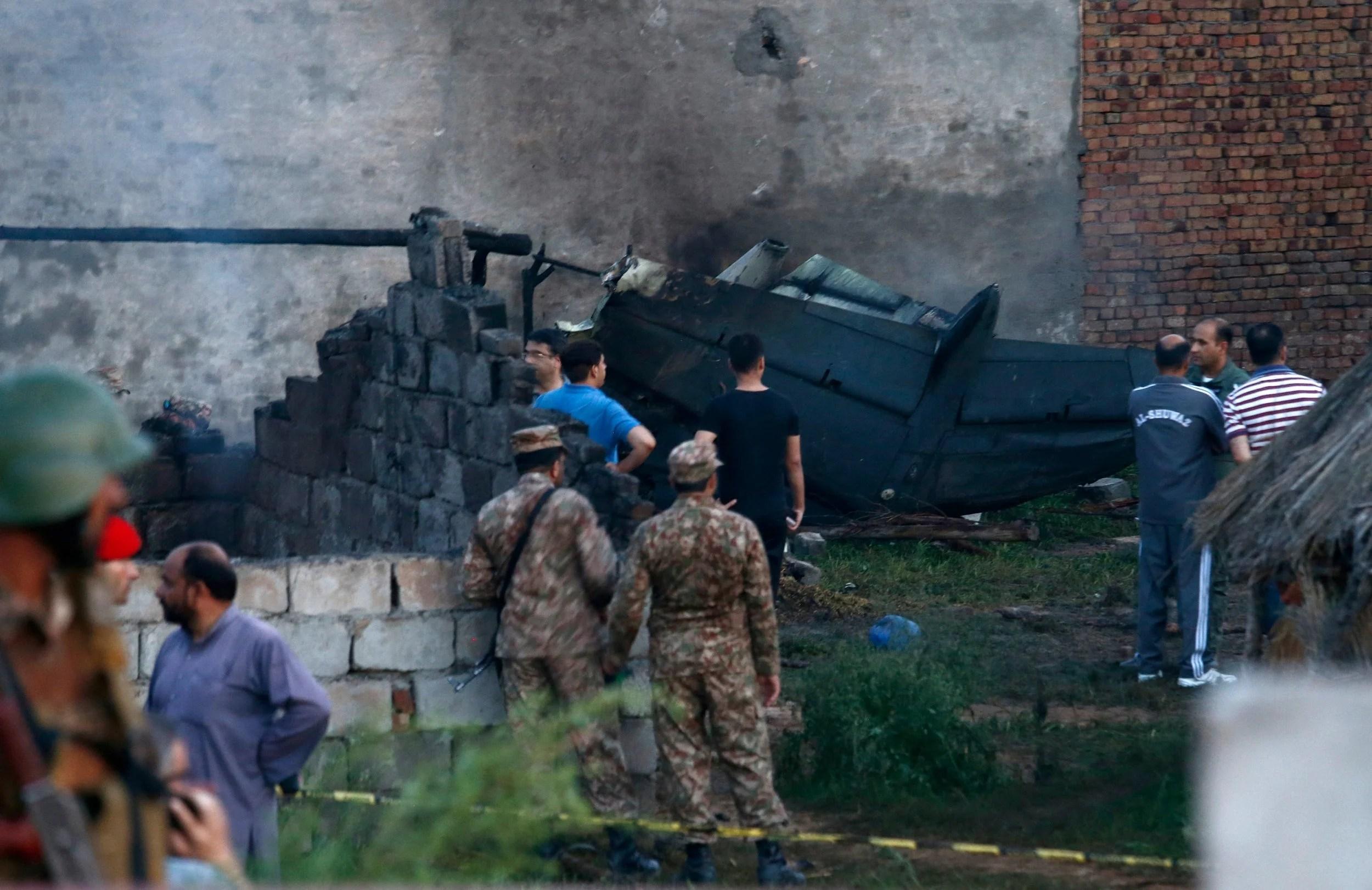 Flipboard Small Plane Crashes In Pakistan Killing At