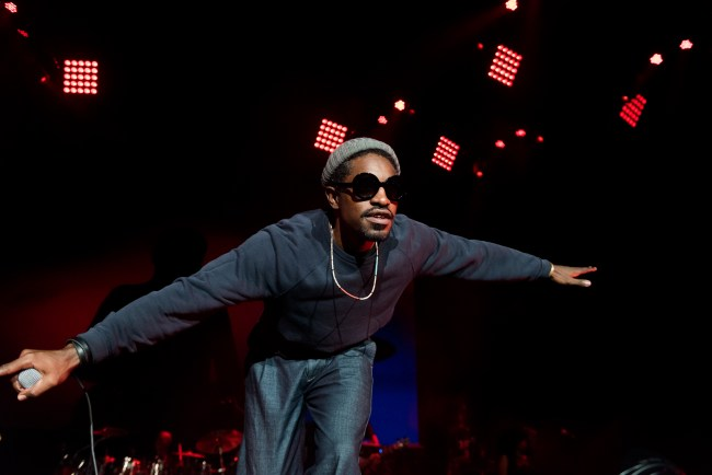 ATLANTA, GA - SEPTEMBER 10:  Andre 3000 performs on stage at Lakewood Amphitheatre on September 10, 2016 in Atlanta, Georgia.  (Photo by Paul R. Giunta/FilmMagic)