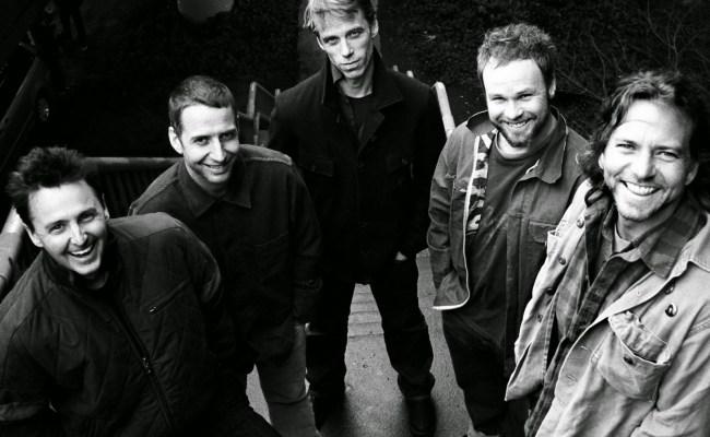 Rock Hall 2017 Inductees Include Pearl Jam Tupac Shakur