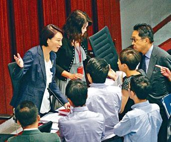 李慧瓊主持內會,泛民揚言提不信任動議 - 香港高登討論區