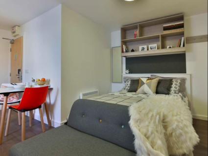 London Student Rooms for Less Than 200 a Week  Studentcom