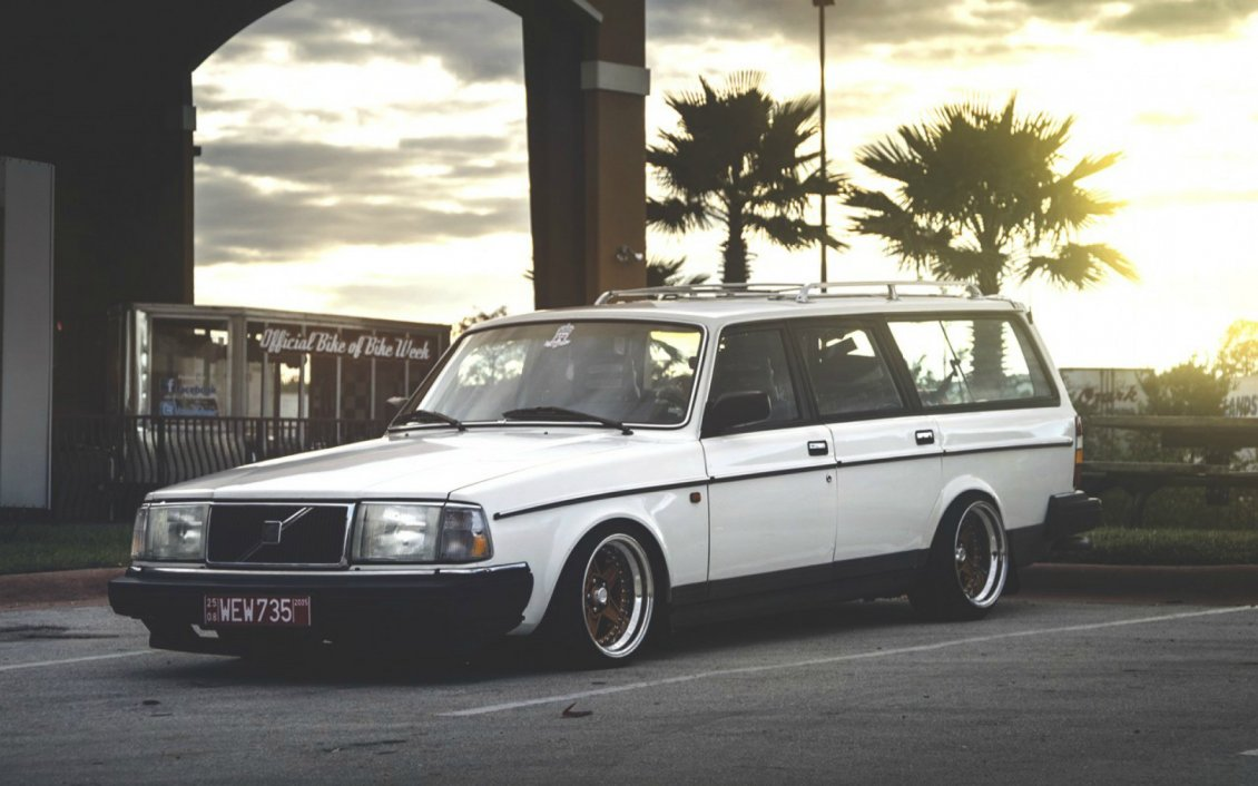 Old Cadillac Cars Hd Wallpapers Old White Volvo 200 Wagon