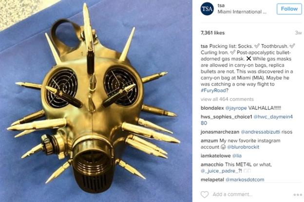 ¿Quién no trataría de llevar en su vuelo una máscara de gas postapocalíptica adornada con balas? A un viajero de Miami le pareció lo más adecuado.