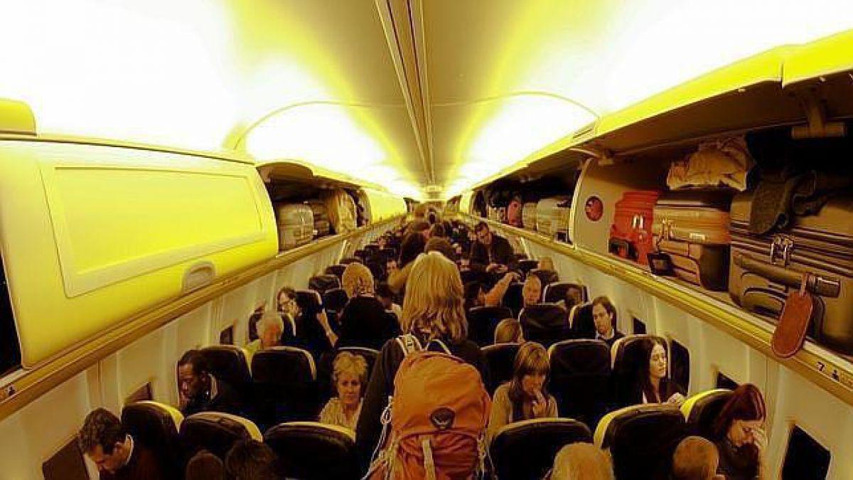 Primera clase Una azafata revela los secretos ms ntimos de los aviones  Tele 13