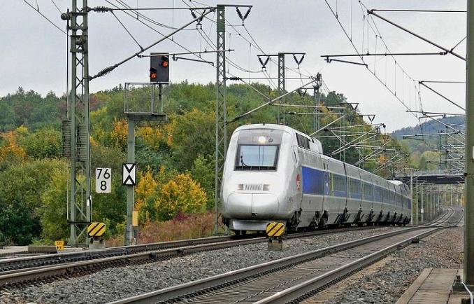 """TGV Tarbes Paris. un homme criant """"Allah akbar"""" interpellé, le train arrêté et fouillé"""