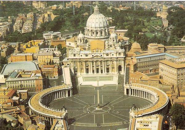 This image has an empty alt attribute; its file name is vatican-600x423.jpg