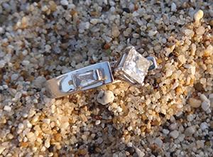Diamond ring found at Half Moon Bay