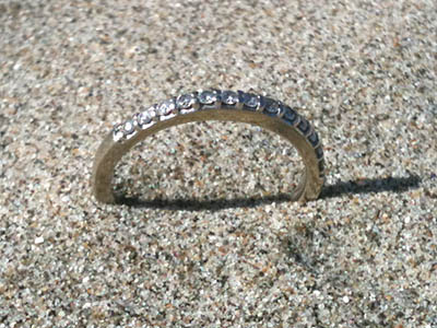 Lost gold and diamond ring found