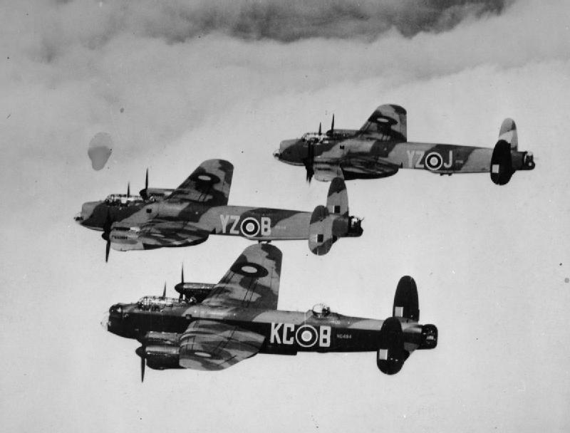 Avro-Lancasters-of-617-Squadron-8-May-1945-©-IWM-MH-30796.jpg (800×608)