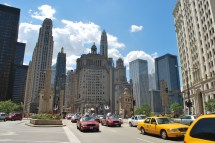 Magnificent Mile - Road In Chicago Thousand Wonders