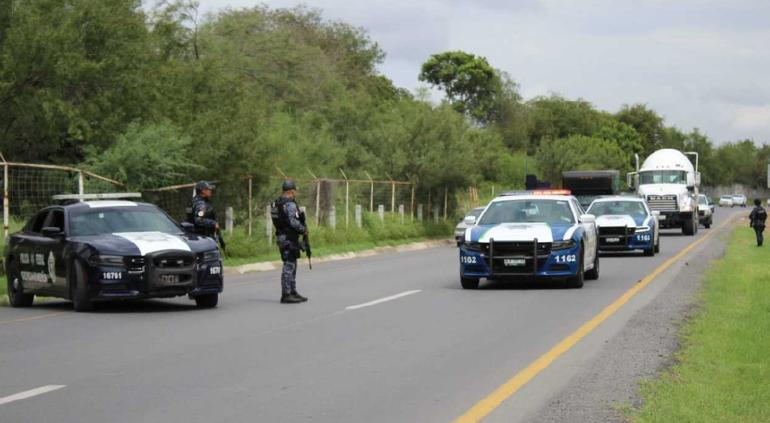 Van 19 desaparecidos en carretera de Monterrey-Nuevo Laredo | Tiempo