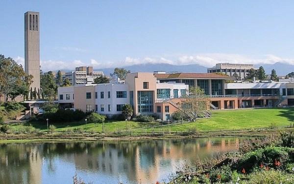 L'université de Californie à Santa Barbara (Crédit: CC-BY-SA Coolcaesar/Wikimedia Commons)