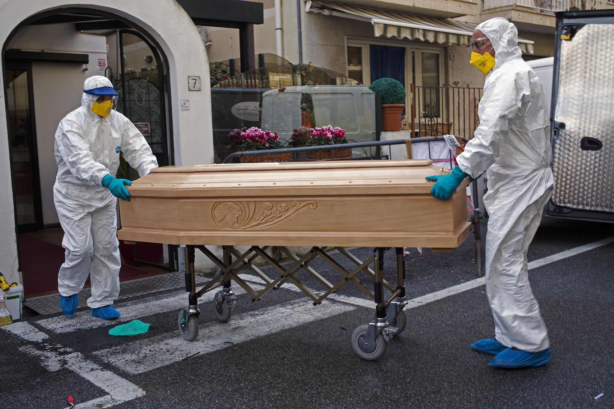 Global coronavirus death toll tops 3,000 as second man dies in US ...