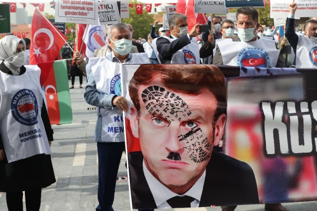 Tens of thousands march in Bangladesh as Muslim backlash against Macron  widens | The Times of Israel