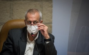 Virus secretary rejects Netanyahu's forecast of another round of vaccine in 6 months