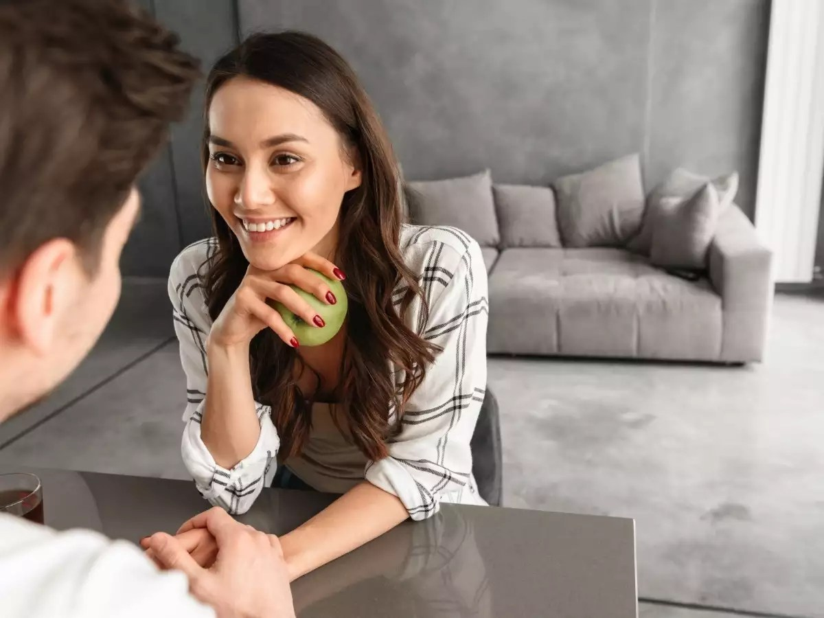 What do different types of eye contact mean?  | The Times of India