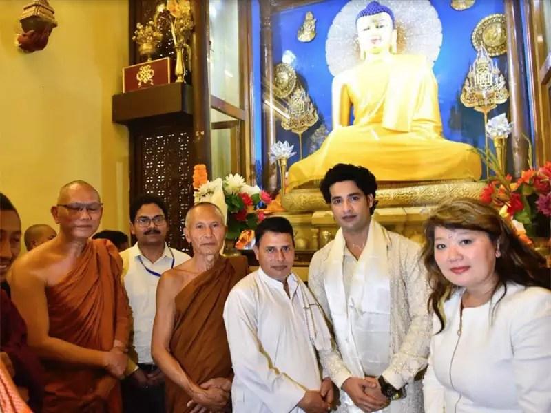 Himanshu Soni Who Played Buddha On TV Visits Bodh Gaya Times Of India