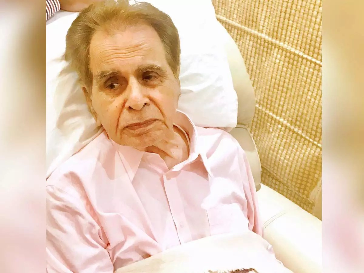 Dilip Kumar is in complete isolation to avoid Coronavirus ...