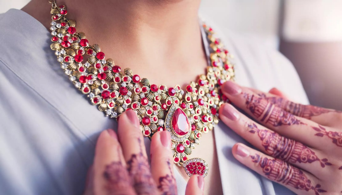 Must-have jewellery pieces for millennial brides - Times of India