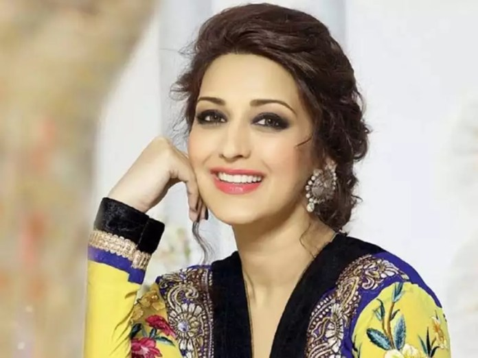 Sonali Bendre moved by B-town's outpour of support | Hindi Movie News -  Times of India