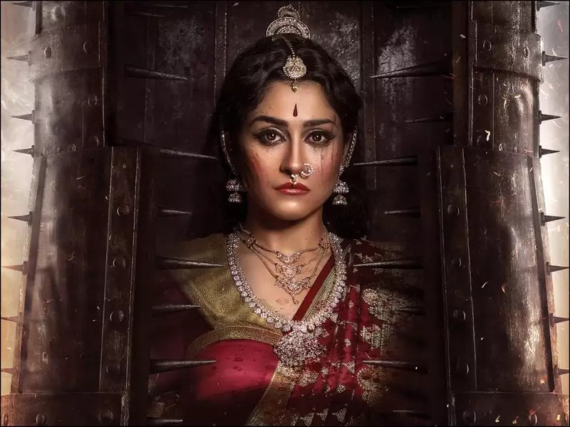 "Nene Naa"" First Look: Regina Cassandra looks intense as a queen   Telugu Movie News - Times of India"