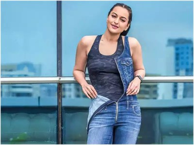 Sonakshi Sinha Says She Is A Novice When It Comes To Politics