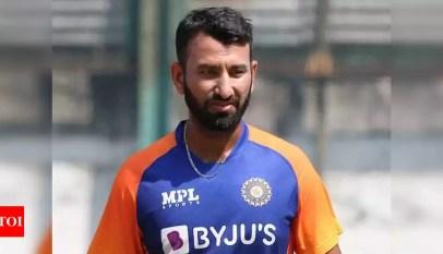 Cheteshwar Pujara:  India vs England, 2nd Test: Injured Cheteshwar Pujara off field on Day 2, Mayank Agarwal substitutes | Cricket News – Times of India