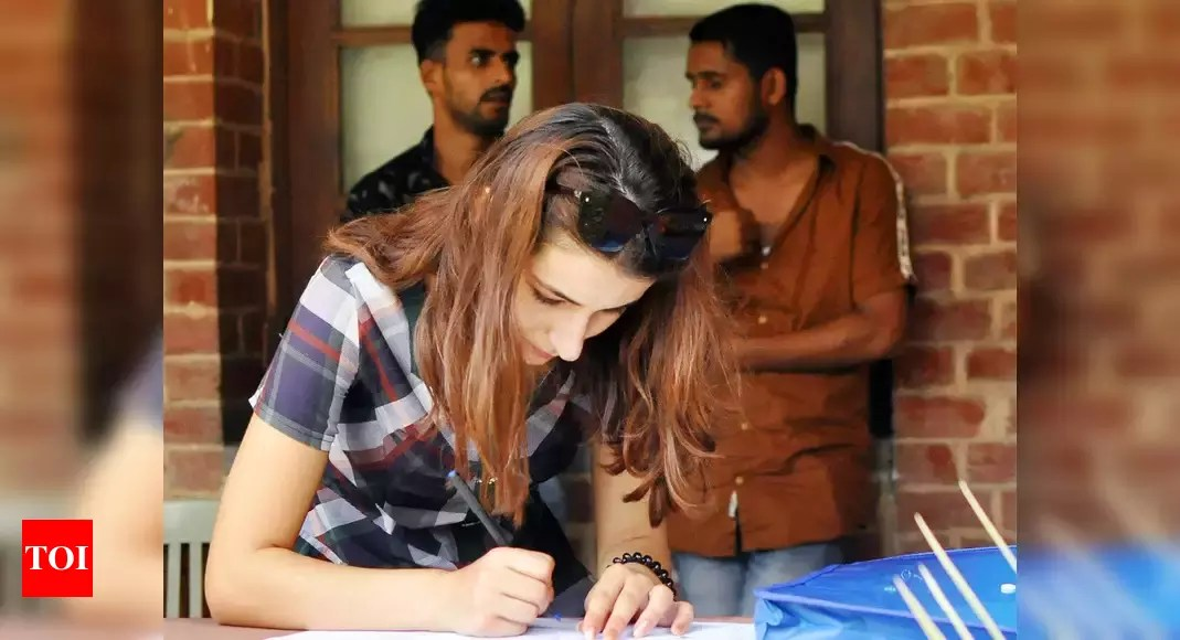 DU Admissions 2021: University plans to complete foreign students' admission by June – Times of India