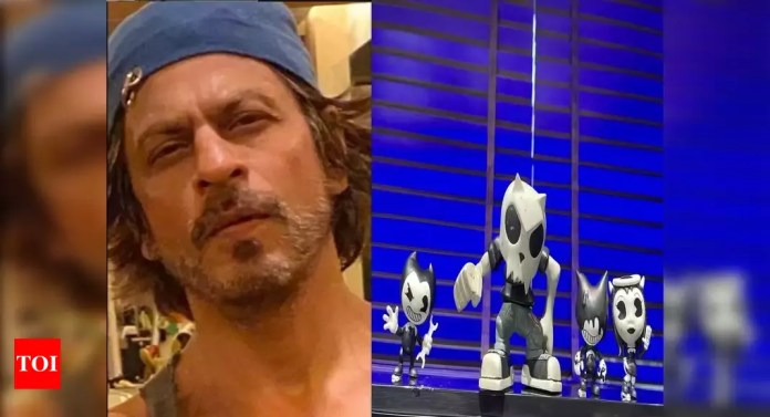 Father's Day: Shah Rukh Khan wishes parents the most beautiful moments with 'lil naughty munchkins' – Times of India -India News Cart