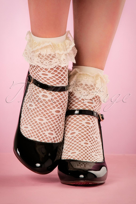 50s Daisy Dot Ruffle Lace Bobby Socks in Ivory