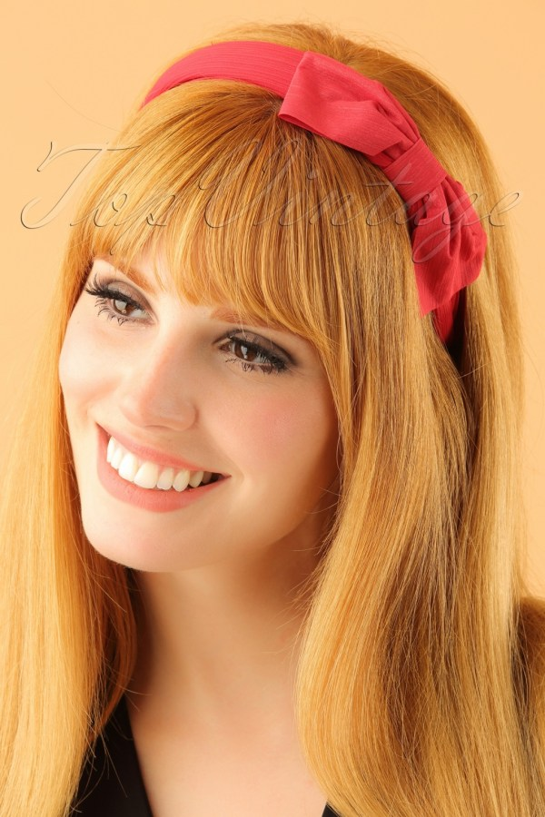 30 Retro Hairstyles With Bows Hairstyles Ideas Walk The Falls