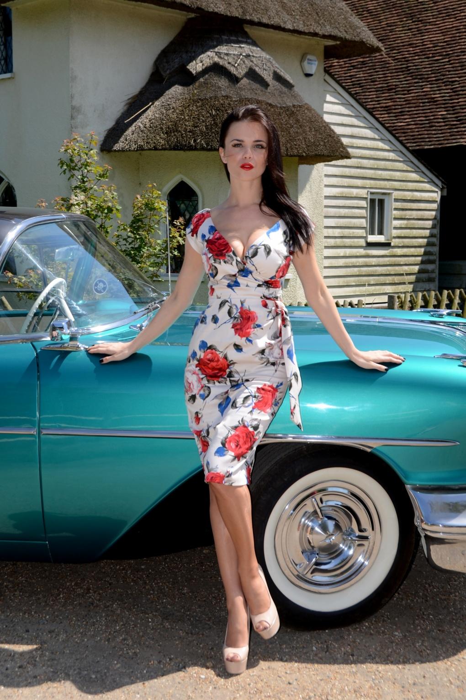 Carmen Roses Hourglass Vintage Pencil dress