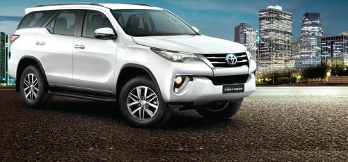 small resolution of toyota fortuner wikipedia the powerful now becomes a style icon too