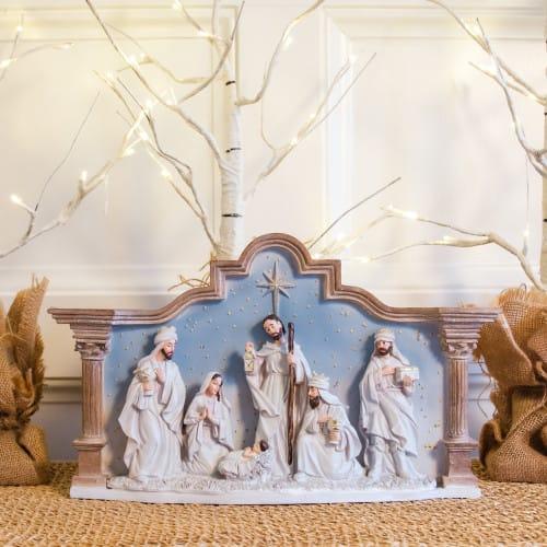 Italian Nativity With Stable 7 Pieces The Catholic Company