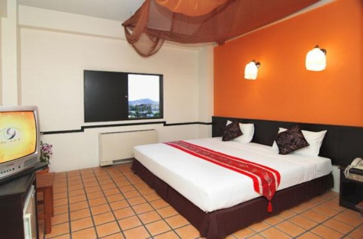 Top 7 Best Cheap Hotels in Phuket 5