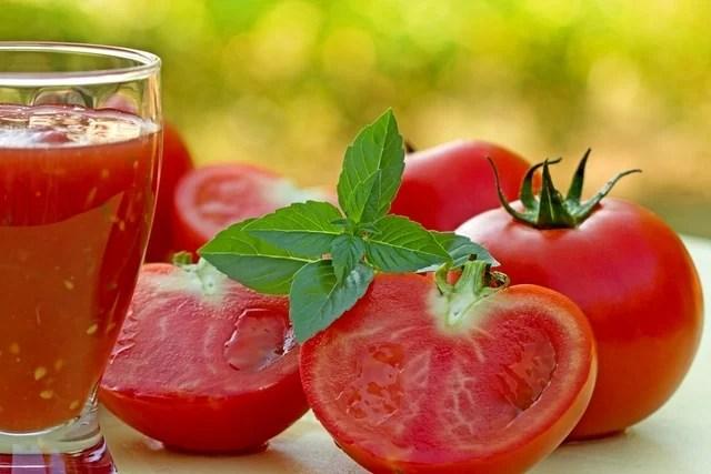 Suco detox de tomate