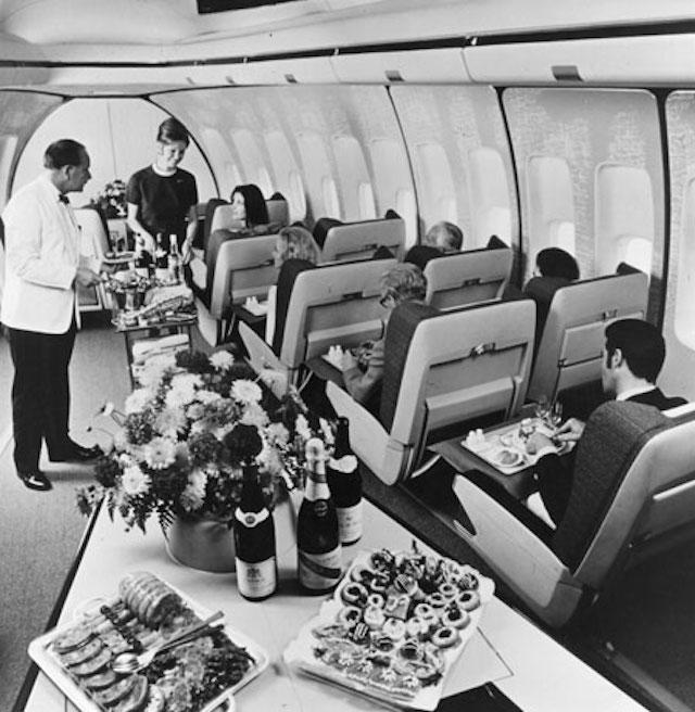 Primeira classe de um Boeing 747 - e você aí se contentando com amendoins