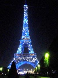 Parigi di notte  Viaggi vacanze e turismo Turisti per Caso